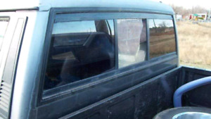 Wanted: Jeep Comanche Rear Window