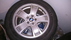 """BMW X5 : 4 mags 18"""" avec pneu"""