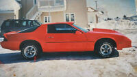 great looking chevrolet camaro 1985 for sale!!