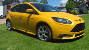 2013 Ford Focus ST ONLY 38KMS MAKE AN OFFER MUST GO
