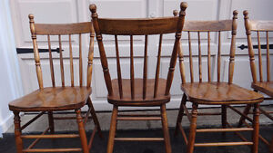 Set of 4 Antique Pressback chairs c.1910 West Island Greater Montréal image 2