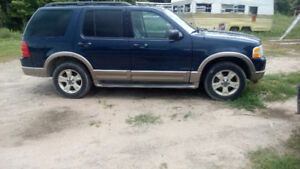 2003 Ford Explorer reduce 1600$ firm