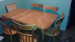 Oak Dining table with 5 chairs and centre leaf