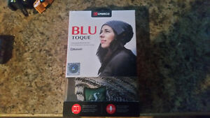Brand new rough riders blue tooth touque