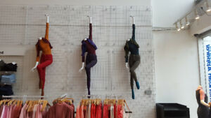RECYCLED DISPLAYS MANNEQUINS SHOWCASES STORE FIXTURES