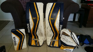 "INTERMEDIATE GOALIE EQUIP - VAUGHN, CCM, REEBOK 31""+1"""