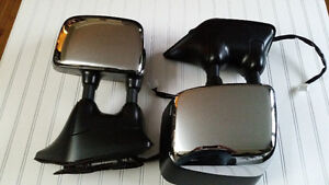 Nissan OEM Powered, Heated and Memory Telescoping Tow Mirrors St. John's Newfoundland image 2