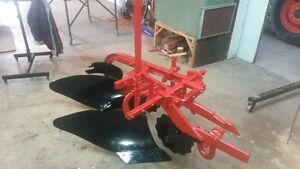 Two furrow fast hitch plow for farmall.