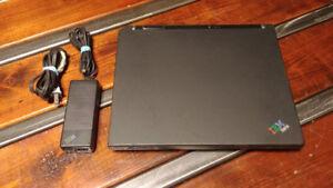 Laptop Vintage iBM ThinkPad T30