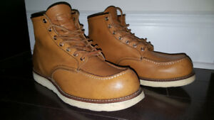 Great condition with extras: Red Wing 8140 Moc Toe Men's Size 13
