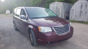 Selling 2008 Town and country Van