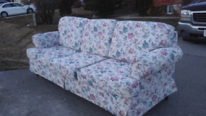 Curb alert free couch