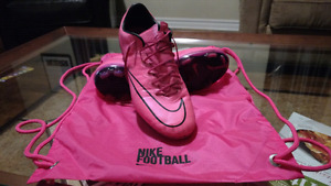Nike Mercurial soccer boots size 7.5