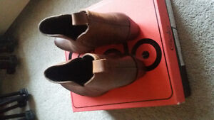 Brand New - Ladies Leather Ankle Boot London Ontario image 3