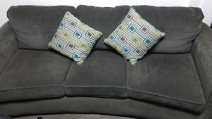 OLIVE GREEN SOFT FABRIC CUSHION SOFA MINT CONDITION.