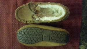 Size 6 Uggs slippers