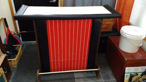Original 1960s Home Bar - Great appeal!