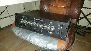 Traynor Dynabass 800h 800 Watt Bass Head