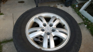 Hyundai Tucson alloy rims with all season tires