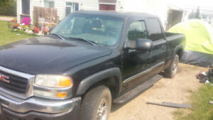 2005 GMC Club-Cab 4x4  HD.  6 LITTRE