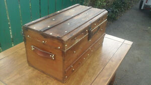 ANTIQUE PINE AND BRASS STUDDED STEAMER TRUNK
