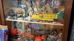 BUYING / SELLING VINTAGE RETRO TOYS & COLLECTIBLES