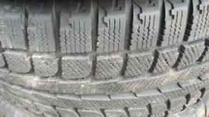 R17 225-50 WINTER TIRE