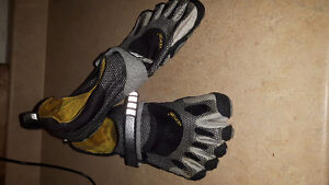 Vibram toe shoes