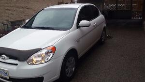 2011 Hyundai Accent SE Coupe (2 door)