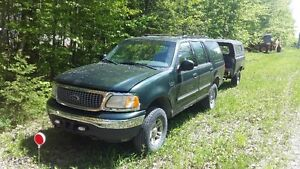 2001 Ford Expedition SUV, Crossover