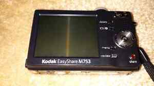 Kodak 7.0  digital camera  Windsor Region Ontario image 3
