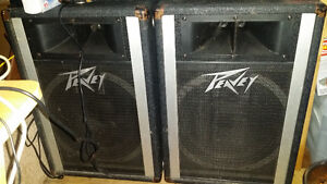 Peavey mixer amp and speakers Campbell River Comox Valley Area image 1