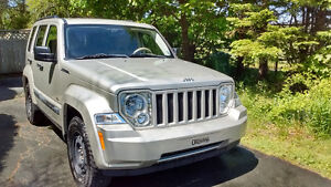 2008 Jeep Liberty North, Low km, 4x4