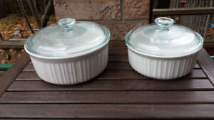 Pair of lidded round Corning Casseroles - French White