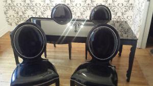 Unique Custom Dining Set / Ensemble de salle à diner