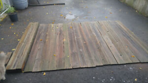 21 6ft fence boards. 3 6ft 4x4s