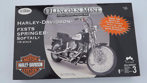 Lincoln Mint Harley - Davidson Motorcycle Model 1/9 scale $25.00
