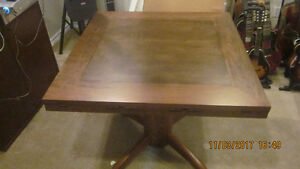 Poker / dining table with 4 chairs