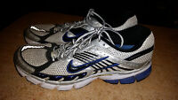 MENS NIKE ZOOMS SIZE 11. IN GOOD CONDITION ONLY 25$.............