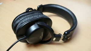 Audio Technica ATH-M30 Headphones