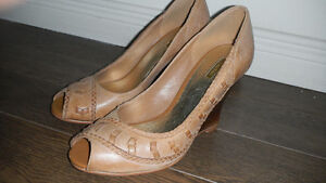 New pair of pure leather shoes London Ontario image 4