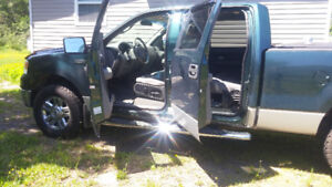 2007  Ford F-150  with a  5.4L V8 SOHC supercrew 4x4