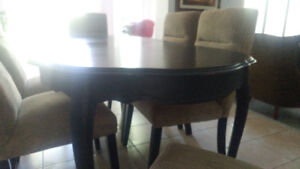 Beautiful painted dinning table and 6 chairs