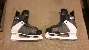 Mens CCM Intruder 55 hockey skates size 10 London Ontario image 1