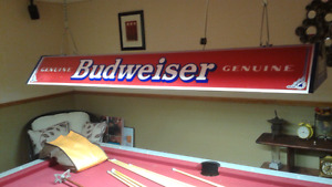 Budweiser Pool Table Light/excellent condition