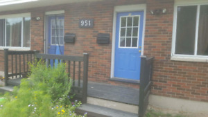 2 bd town available $925.00 Colborne Road