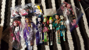 Monster high dolls gently used lot