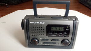 Electrohome Emergency Hand Crank AM/FM Radio with Flashlight
