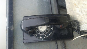 1960's  wall mount telephone 100% complete would still work
