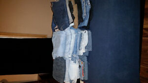 Huge tote of women's jeans over 50 pairs!!! London Ontario image 2